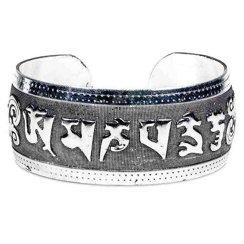Bracelet tribal en argent Miao avec mantra OMPMH